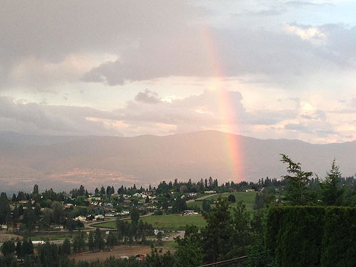 Our West Kelowna B & B location offers sweeping panoramic lake, mountain and city views.
